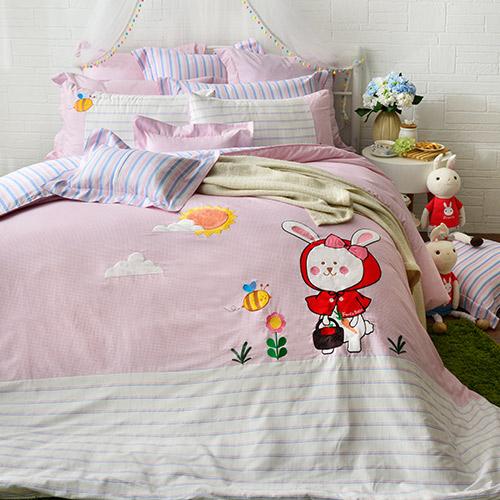 義大利Fancy Belle 加大貼布繡防蹣抗菌吸濕排汗兩用被床包組-貝拉兔郊遊趣