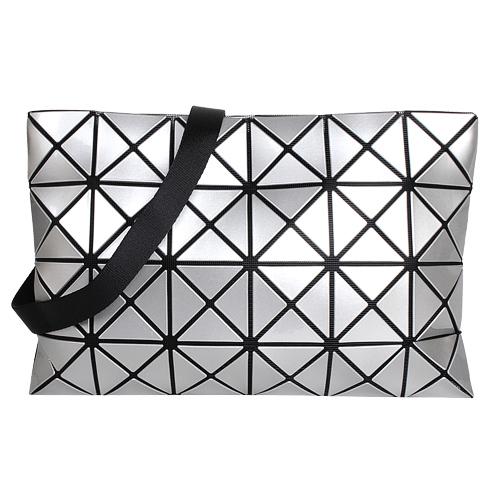 ISSEY MIYAKE  BAOBAO-幾何方格4x6斜背包/銀(亮面)大格
