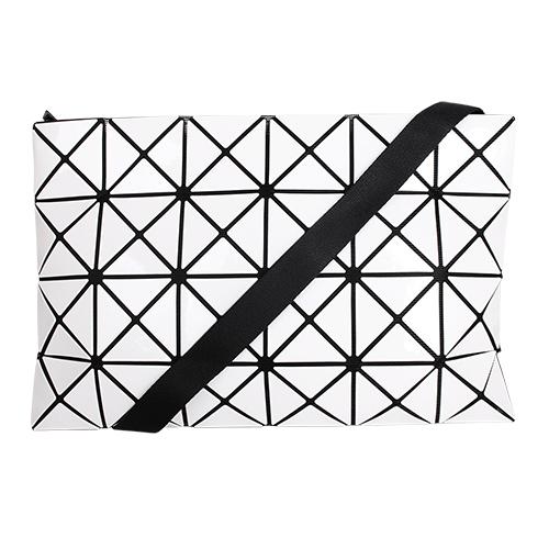 ISSEY MIYAKE  BAOBAO-幾何方格4x6斜背包/白(亮面)大格
