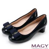 MAGY 品牌經典熱賣款 LOGO飾釦蝴蝶結低跟鞋-藍色