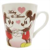 〔小禮堂〕迪士尼 米奇米妮 陶瓷馬克杯《粉白.愛心.拉手》精美盒裝