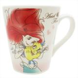 〔小禮堂〕迪士尼 小美人魚 陶瓷馬克杯《粉白.貝殼.點點.抱小比目魚》精美盒裝