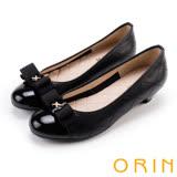 ORIN 優雅甜美系 蝴蝶結飾釦嚴選壓紋牛皮低跟鞋-黑色