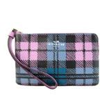 COACH 馬車英倫格紋學院風PVC L拉鍊手拿包(粉紫藍)