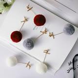 【PS Mall】韓版時尚秋冬款 誇張彩色大毛球毛線金屬風格耳釘耳環 (G2336)