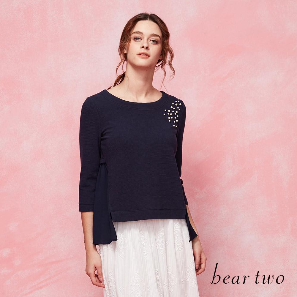beartwo搶眼珍珠點綴拼接百摺雪紡造型上衣(二色)
