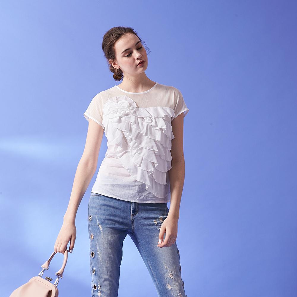 ICHE 衣哲 時尚3D立體花邊荷葉蛋糕疊層設計透膚造型上衣-白