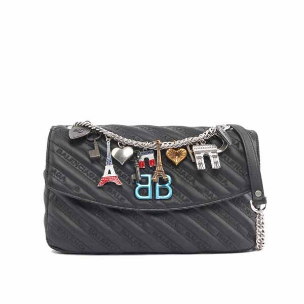 【BALENCIAGA】BB ROUND CHARMS銀鏈墜飾壓紋肩背包(黑色)