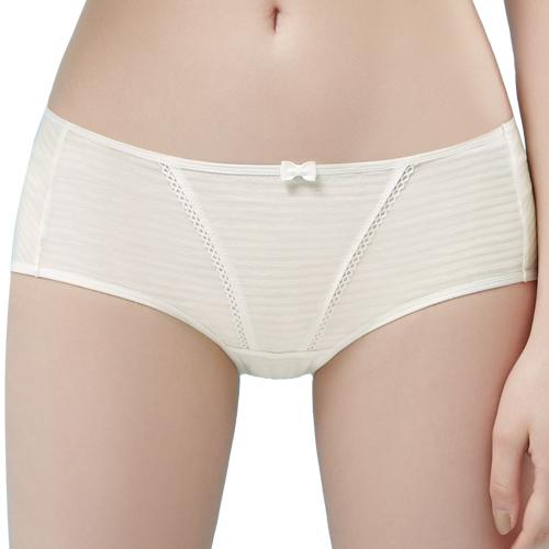 【思薇爾】小冰冰純真風系列M-XL素面中低腰平口內褲(奶油色)
