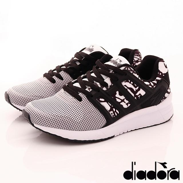 DIADORA義大利國寶鞋-時尚運動款-WC6038白黑--(23cm-25cm)