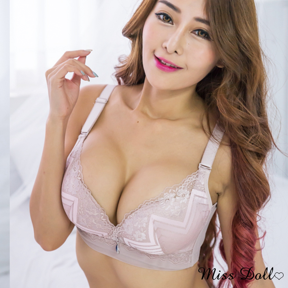 【蜜絲朵】箭頭深V 蕾絲緹花集中包覆無鋼圈成套內衣C罩B008(藕紫)