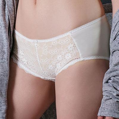 【EASY SHOP】柔情蔓戀 中腰平口褲(陽光白)