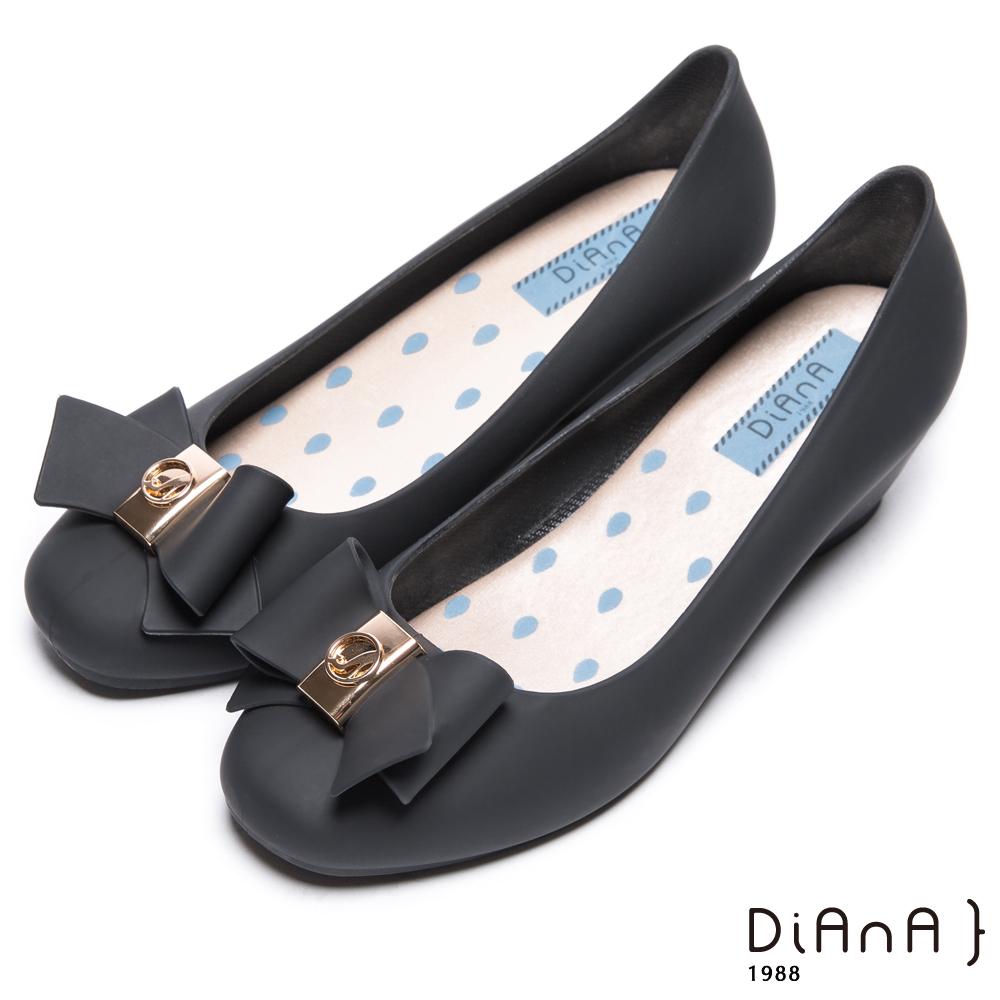 DIANA 漫步雲端雨滴款--甜美蝴蝶結果凍楔型雨鞋-石墨黑