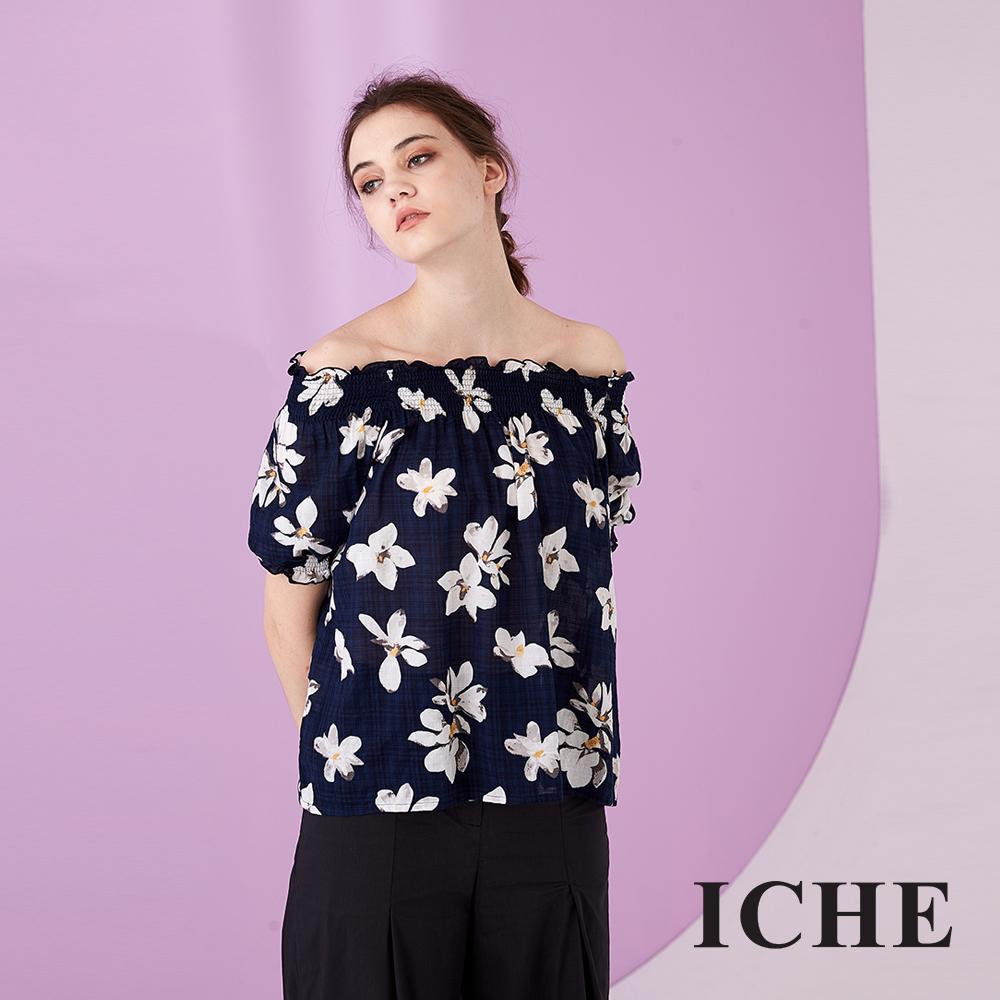 ICHE 衣哲 時尚滿版顯白印花平口露肩造型上衣(兩穿)-藍