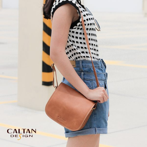 CALTAN-女用斜背包 肩背包 外出包 側肩包 馬蹄包 多功能 大包-4897ht