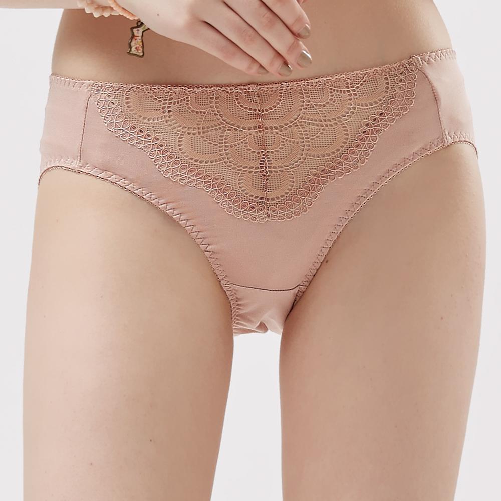 【思薇爾】霓情舞漾系列M-XXL蕾絲中腰三角內褲(彩膚色)