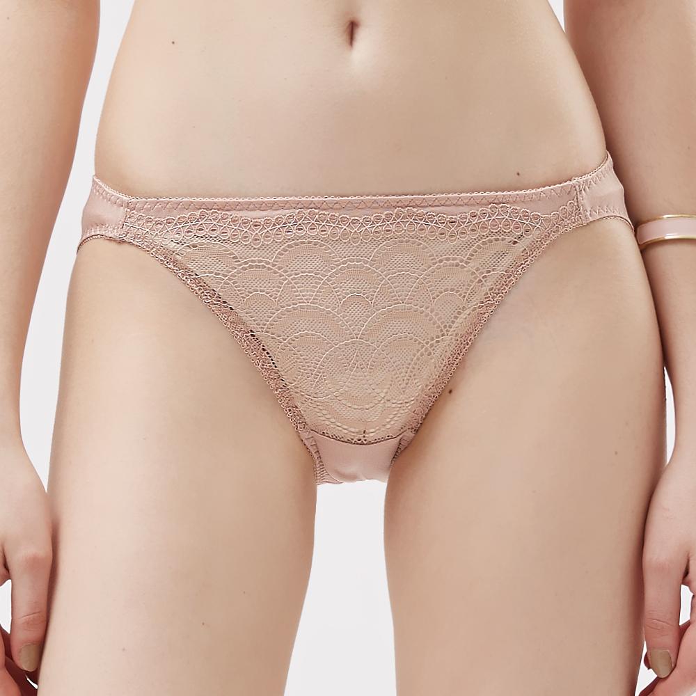 【思薇爾】霓情舞漾系列M-XL蕾絲低腰三角內褲(彩膚色)