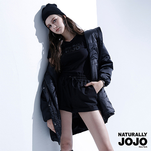 【NATURALLY JOJO】 滑面長版鋪棉外套 (黑)