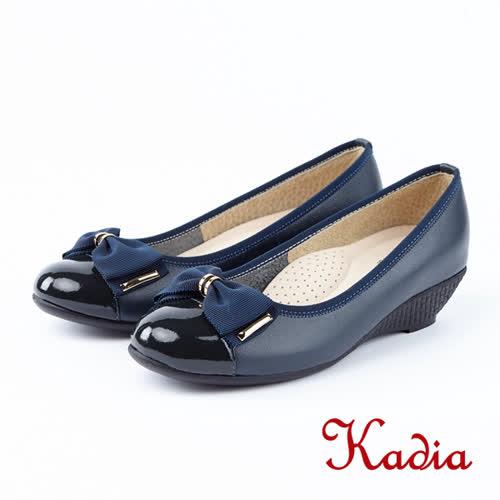 kadia.優雅氣質-漆皮蝴蝶結圓頭包鞋(8541-50藍色)