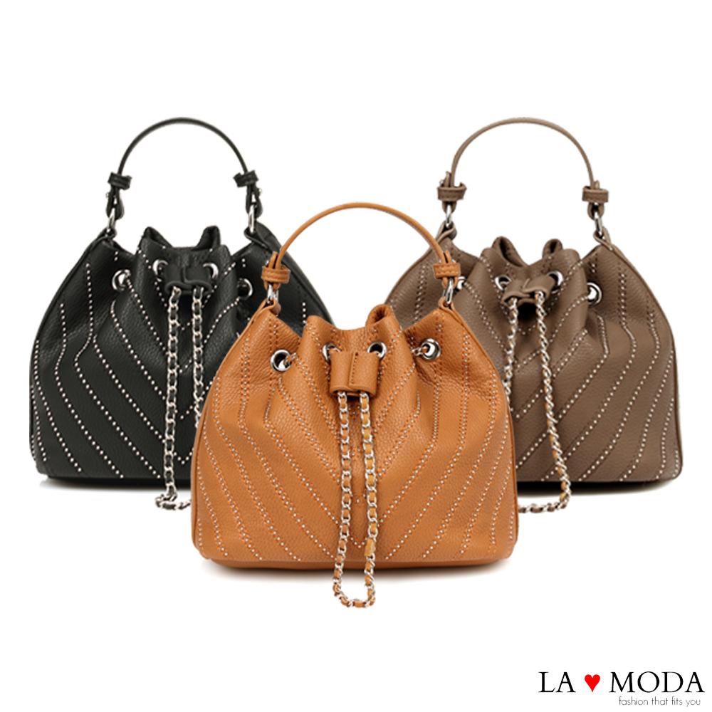 La Moda 率性百搭鉚釘線條束口肩背斜背水桶包(共3色)
