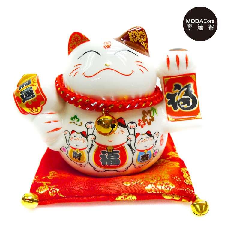 摩達客-農曆新年春節 小招財貓撲滿(財福來三貓款) 存錢桶擺飾桌飾(含坐墊)