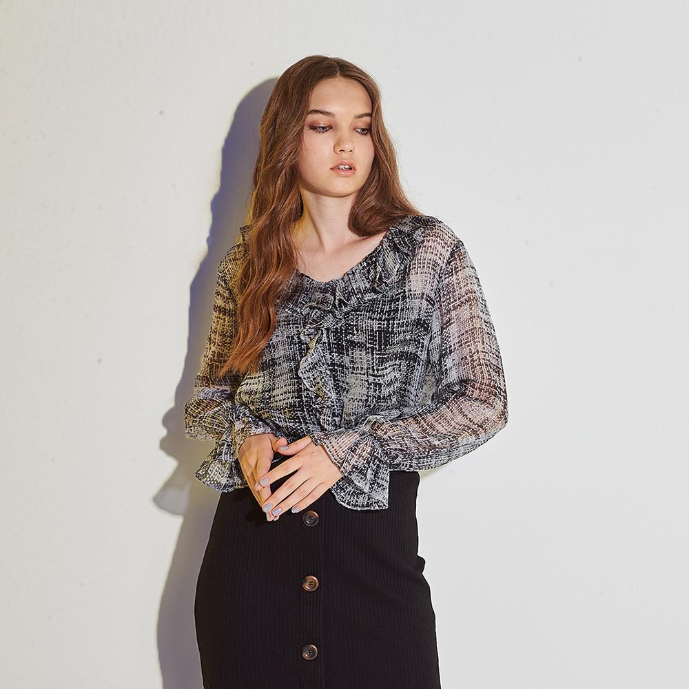 ICHE 衣哲 100%高級純蠶絲印花荷葉喇叭袖拼接造型上衣-灰
