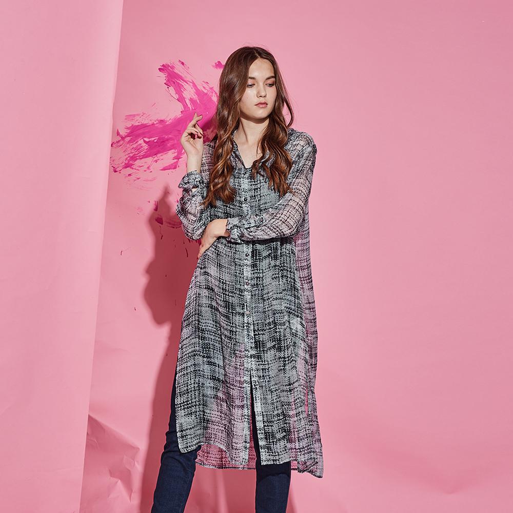 ICHE 衣哲 100%高級純蠶絲時尚印花長版造型襯衫上衣-灰