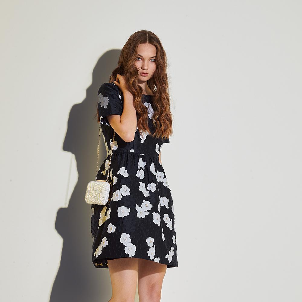 ICHE 衣哲 高級訂製款精緻立體提花造型禮服洋裝-藍