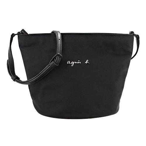 agnes b.- 白色小b logo 尼龍拉鍊斜背水桶包(黑)/小