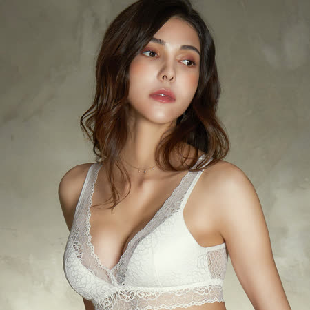 【EASY SHOP】愛戀花妍 無鋼圈M-LL罩內衣(愛戀白)