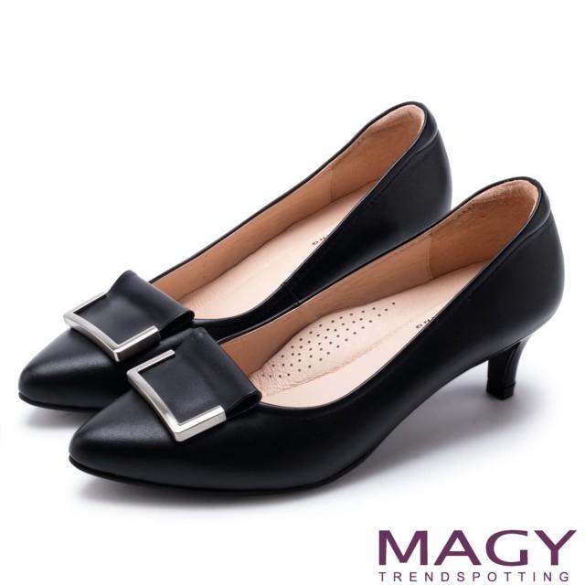 【MAGY】OL通勤專屬 金屬點綴牛皮尖頭中跟鞋(黑色)