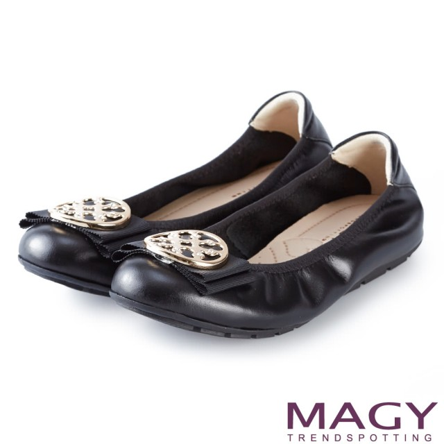 【MAGY】甜美舒適 金屬造型飾扣鬆緊帶牛皮娃娃鞋(黑色)