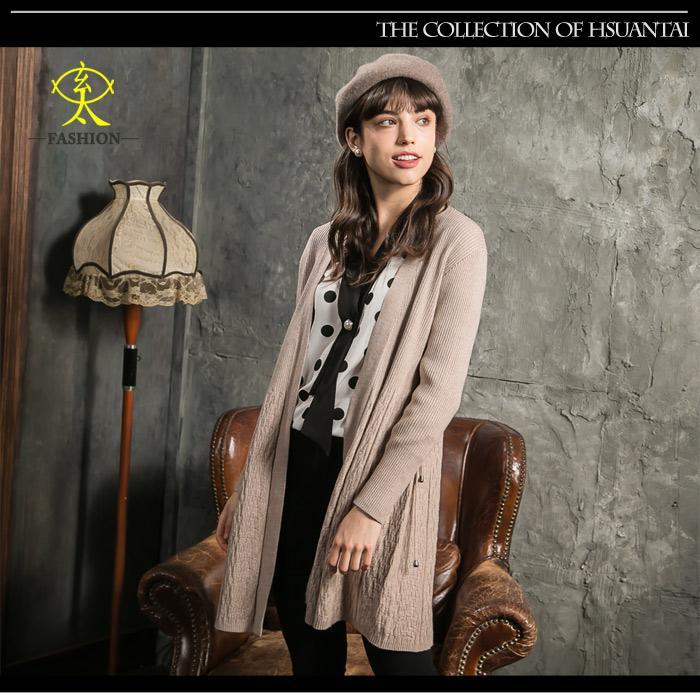 玄太-顯瘦彈性特色織紋開襟長版針織罩衫(卡其)