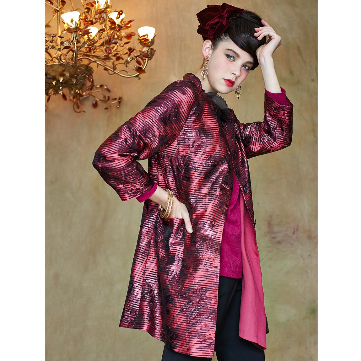 盈樺 亮麗金屬光澤提花寬鬆輕薄長版外套