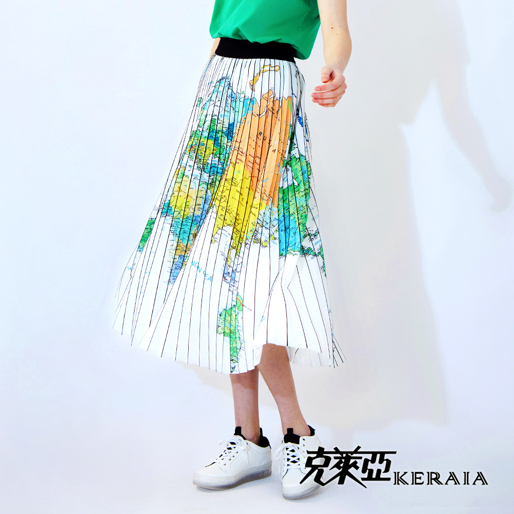 【KERAIA 克萊亞】世界地圖印花光亮百褶長裙