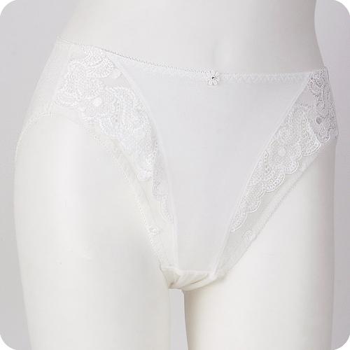 優質百元內褲任選【內衣瞎拼】側邊蕾絲甜美內褲 (晶燦白)